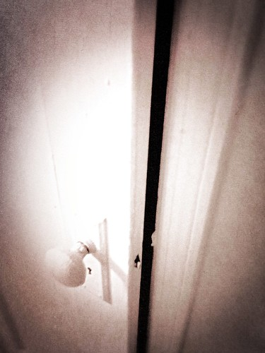 Behind Closed Doors (Photo A Day 19/365) by damn_que_mala
