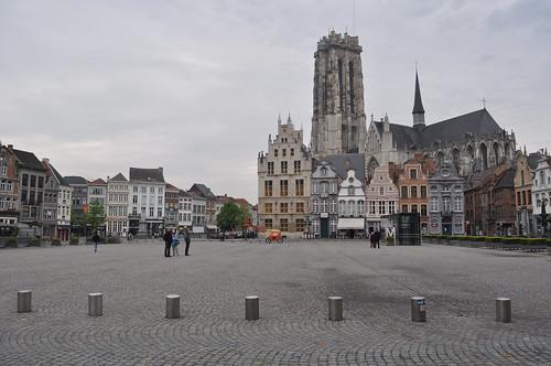 2012.04.29.055 - MECHELEN - Grote Markt - Sint-Romboutskathedraal