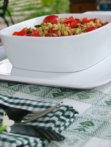 """orzotto con pomodoro e """"pesto"""" di basilico, menta e pistaccchio - Barley with tomato and basil, mint and pistacchio """"pesto"""""""
