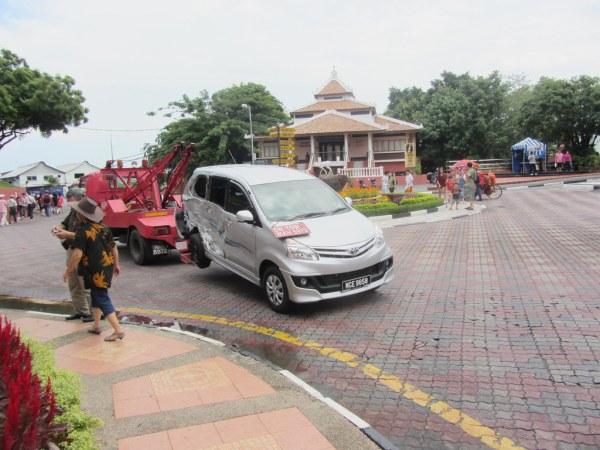 2012 Toyota Avanza On Tow In Malacca