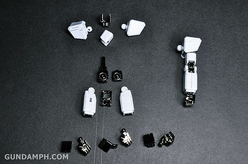 ANA RX-78-2 Gundam HG 144 G30th Limited Kit  OOTB Unboxing Review (44)