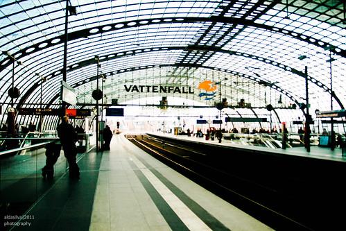 Hauptbahnhof by Cats fall on their feet*