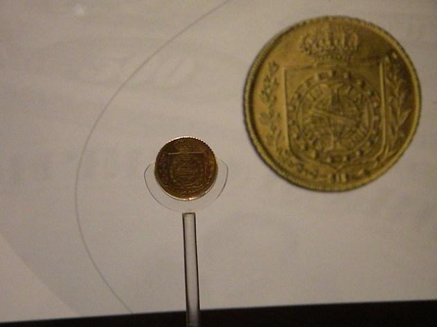Moeda cunhada para a coroação de D Pedro I — avaliada em R$ 500.000,00 (a mais valiosa do Brasil)