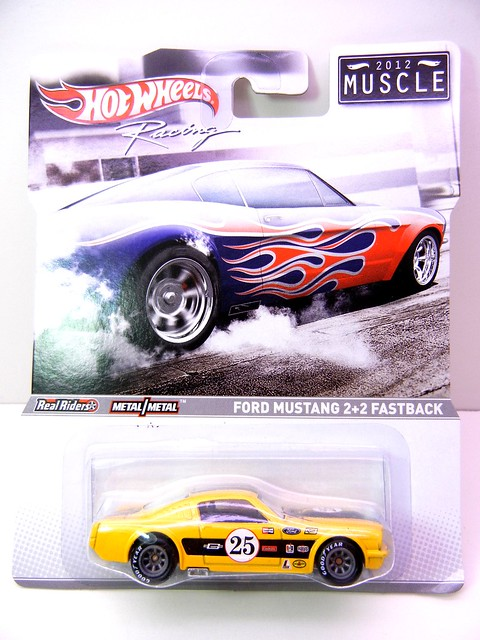 hot wheels 2012 muscle ford mustang 2+2 fastback (1)