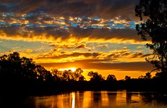 Sunset-lake-Benalla
