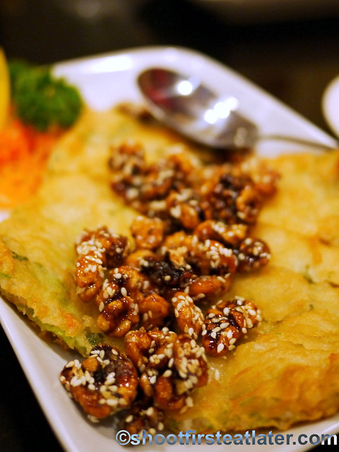 crispy minced shrimp cake with Taiwan pechay & sweet walnuts