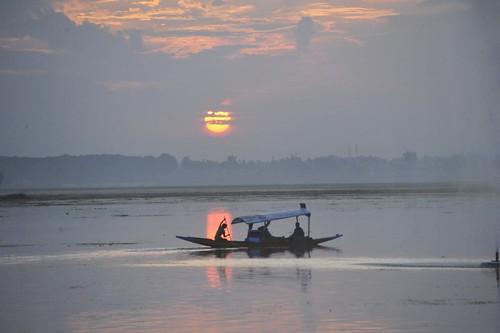 Kashmir - Jannat Zamin par