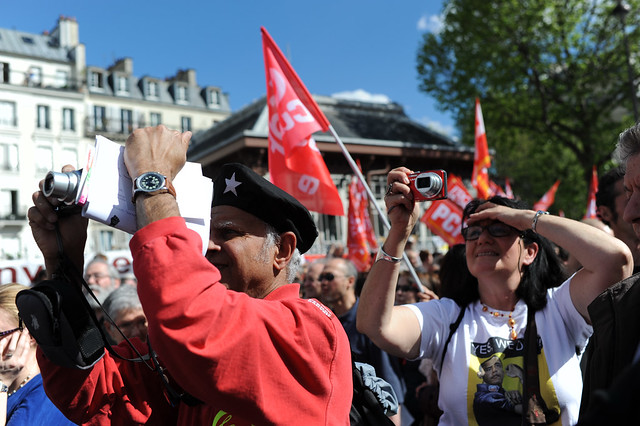 Défilé du 1er Mai 2012 : le rouge et le tricolore ensemble
