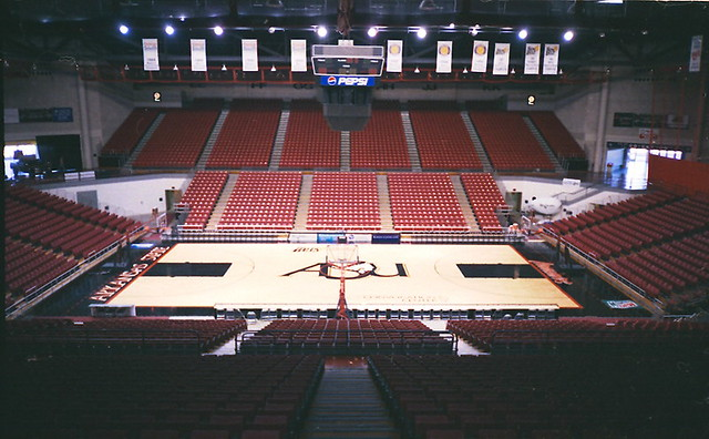 ASU Convocation Center, Jonesboro (Ark.), 29 November 1999