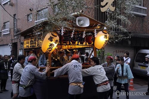 三社祭 浅草、東京。Sanja Matsuri