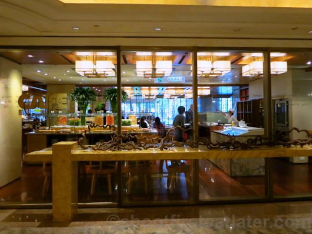 Buffet Breakfast at Cafe, Grand Hyatt Taipei