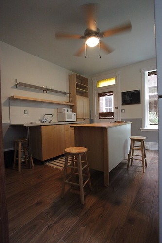 Large Modern eat-in Ikea styled County kitchen