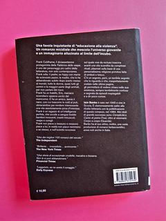 Iain Banks, La fabbrica delle vespe, Meridiano Zero 2012. Progetto grafico: Meat collettivo grafico; realizz. graf.: Nicolas Campagnari. Quarta di copertina (part.), 1