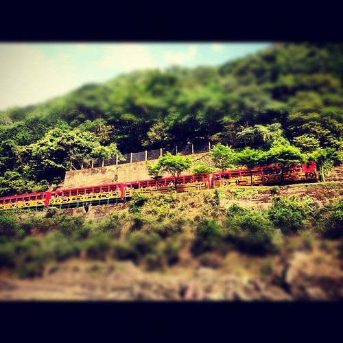 #Sagano Scenic #Railway Along the #HozuRiver in #kyoto