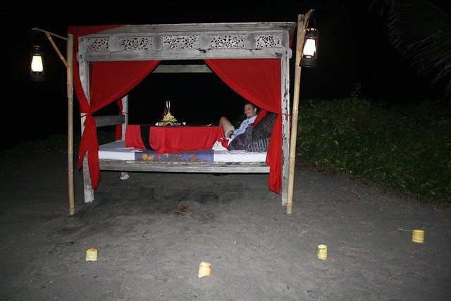Tugu Hotel Romantic Dinner on the Beach in Bali