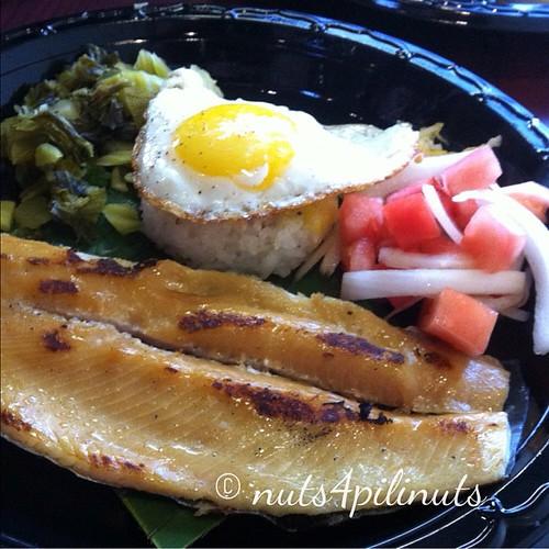 """Smoked Fish & """"Fried Rice"""" Cake   Flip Night @thepointfeedsme #thepointfeedsme #filipinofood"""