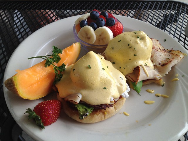 California benedict - Peg's Glorified Ham N Eggs