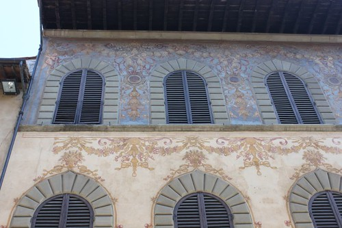 20120809_5101_Arezzo-painted-facade
