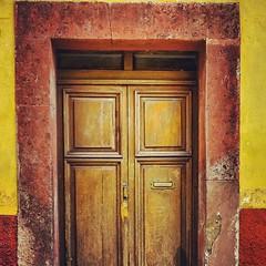 Serie Puertas. #5/10 #Puertas #Puerta #Artesania #Carpinteria #CarpinteriaArtesanal #Tipica #Madera #ArtDeco #Arte #SanMigueldeAllende #Mexico #MisVacaciones #Pueblosmágicos