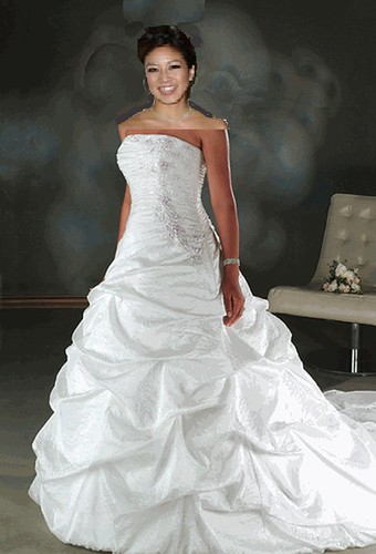kwan_weddingdress