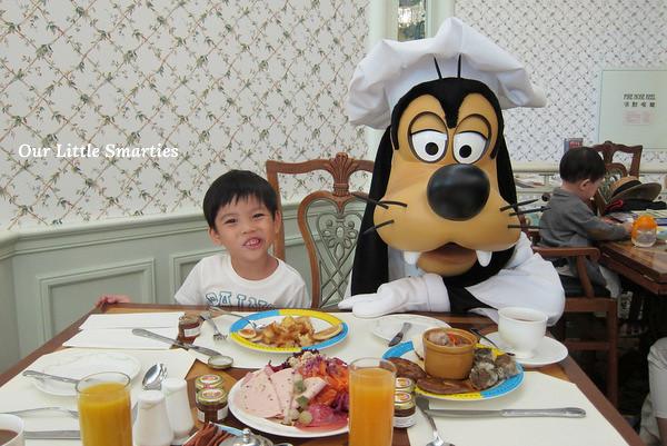 Edison with Goofy