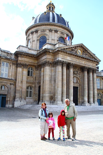 Tourists at Institut de France