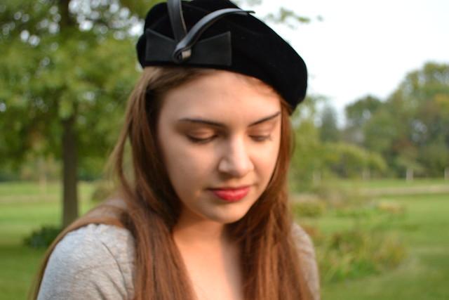 black-velvet-beret