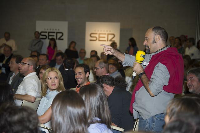 Javier Cansado (A vivir que son dos días) durante la presentación de la programación