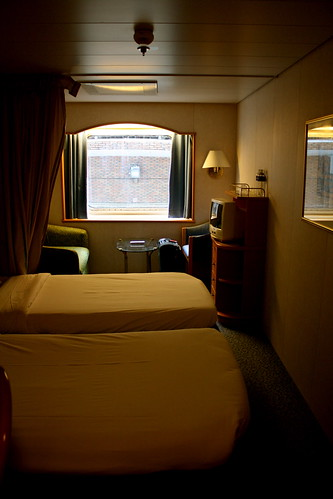 Stateroom with Window on Superstar Aquarius