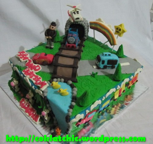 Cake Tayo the Little bus, Thomas the Tank Engine dan cars