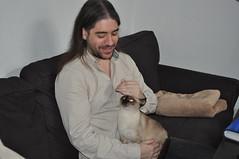David Selva y su gata