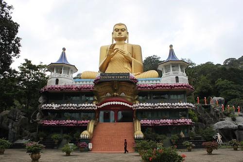 IMG_6643-Dambulla-golden-temple