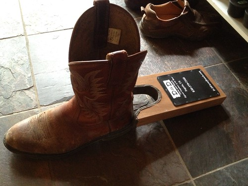 Boot remover gadget