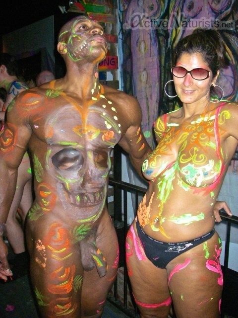 Body painting nudist