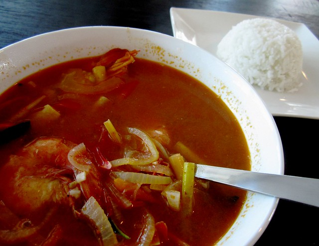 Payung Mahkota tom yam prawns with rice