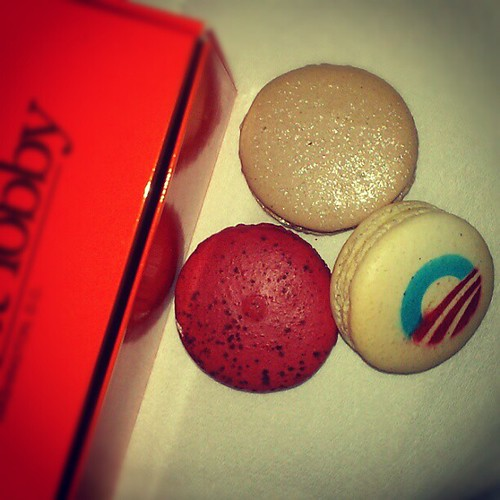 I'm ready for the inauguration with my Obama macaroons!