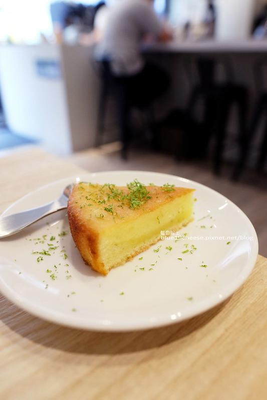 28985370642 eef0b89a26 c - J.W. Cafe-放棄百萬年薪工程師的漂亮拉花拿鐵.甜點推薦乳酪蛋糕和貝果.近清真恩德元餃子館