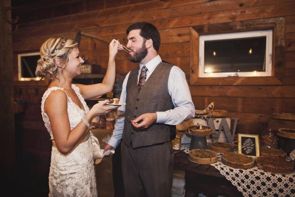 005_karen seifert wedding photography pie cake