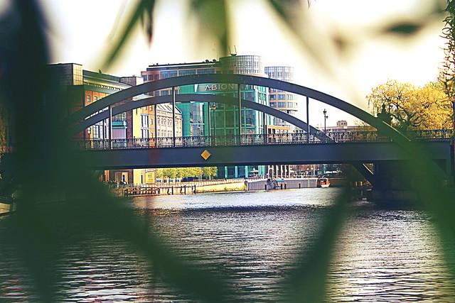 BERLIN 12 574
