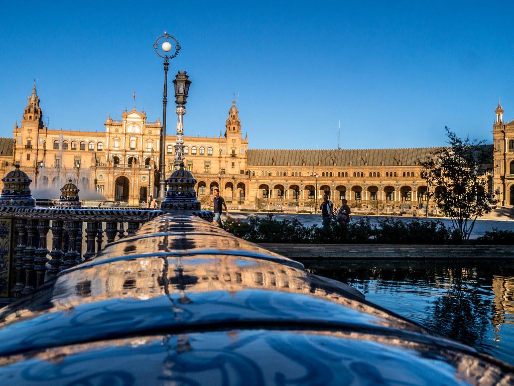Reflections on Plaza España