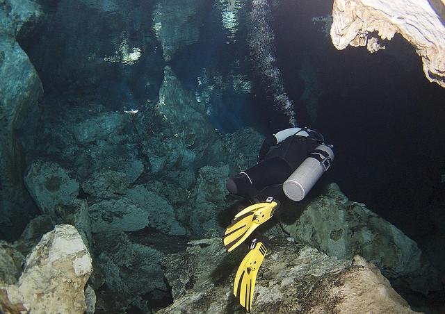 Buceo en el Cenote Dos Ojos