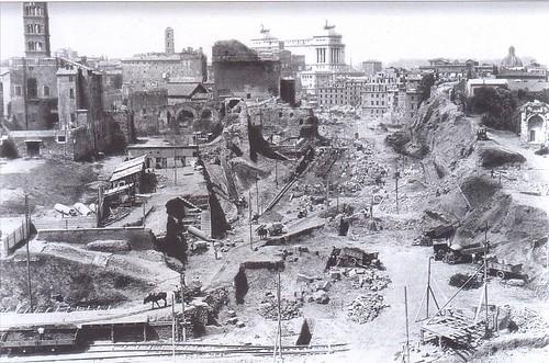 ROMA ARCHEOLOGIA: Quale futuro per i Fori Imperiali? Di Orietta Rossini, ARCHEO - 294 / Agosto (2009), pp. 46-59. [Foto 1 di 12]. by Martin G. Conde