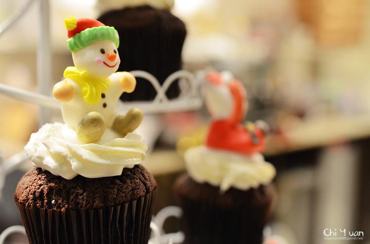 Cloudy cupcake09.jpg