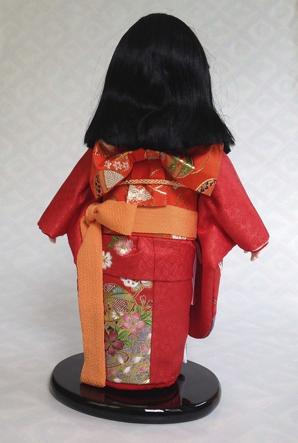 Ichimatsu doll - rear view