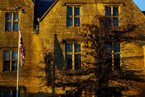 20121111-33_Honey Coloured Cotswold Stone Building - Broadway by gary.hadden