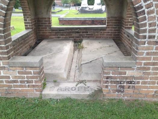 Grave Shelter, Oaklawn Cemetery, Hattiesburg MS