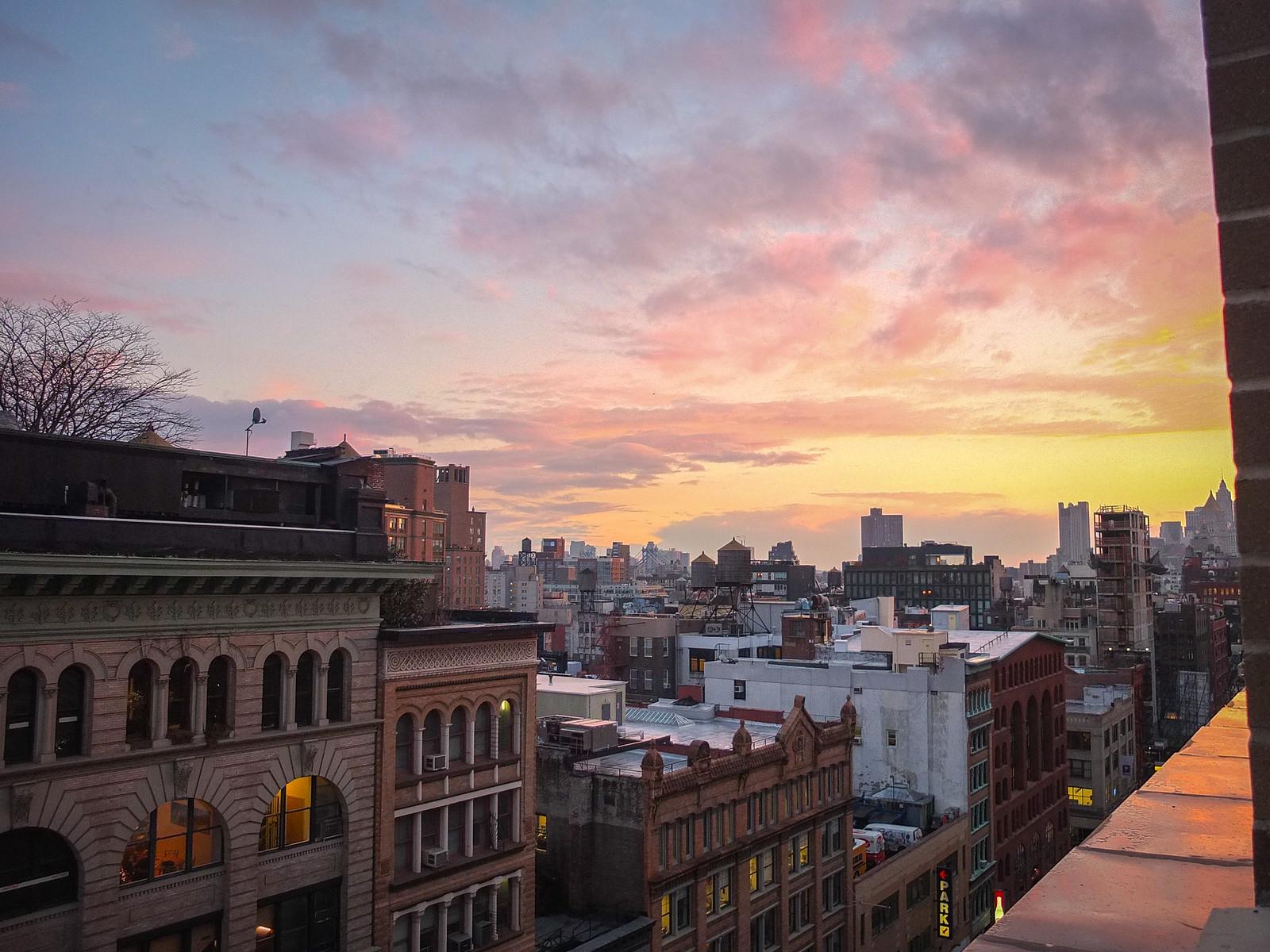 Sunset is around the corner... by wwward0