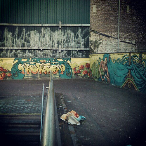 neat #artnouveau #streetart #brussels #victorhorta #mivb #stib