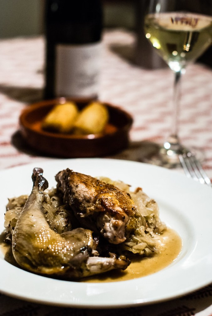 Gekonfijte fazant, filets apart gebraden; daarbij zuurkool en aardappelkroketten met truffel
