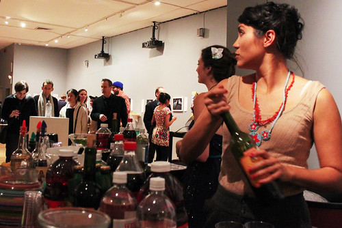Alita and Carina pouring drinks (photo by Maria Pecchioli)